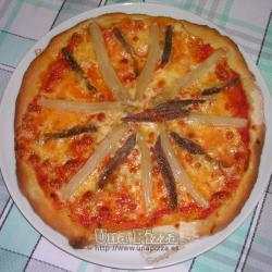 Pizza de Anchoas y Esparragos